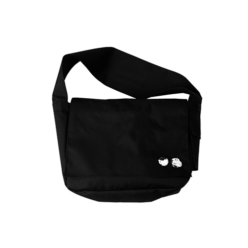 [아조바이아조]Plain Messenger Bag [Black]