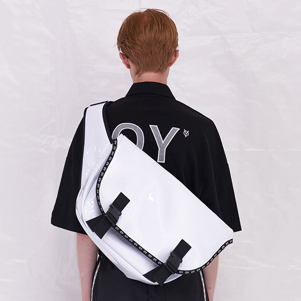 [오와이]OY MESSENGER BAG - WH