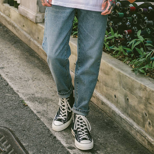 [테이크이지]TAPERED GREYSH DENIM