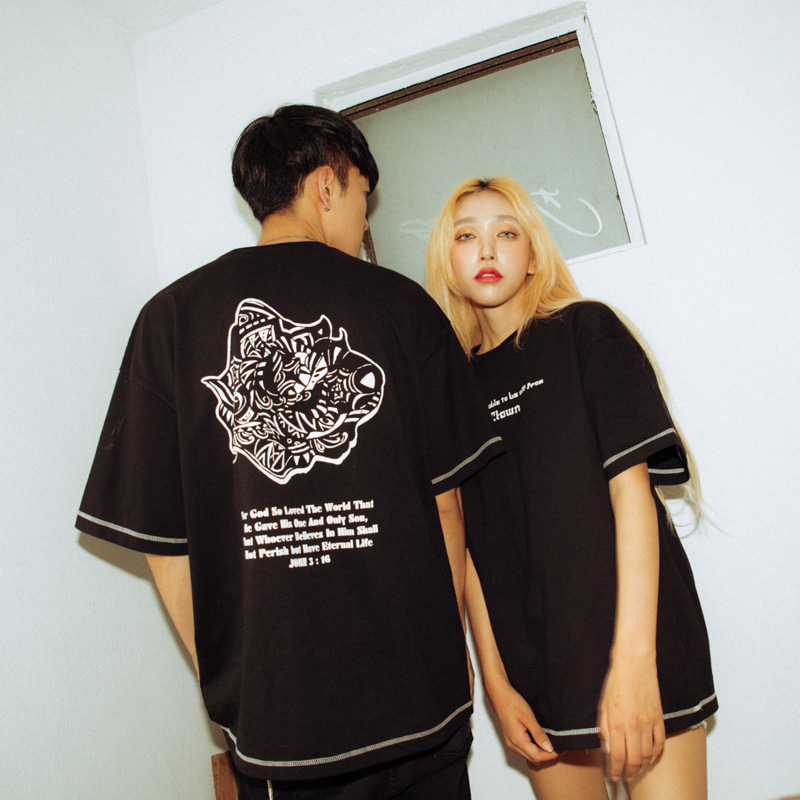[A.Clown(에이클라운)]Black Rose-Eye Stitch Half-Tee
