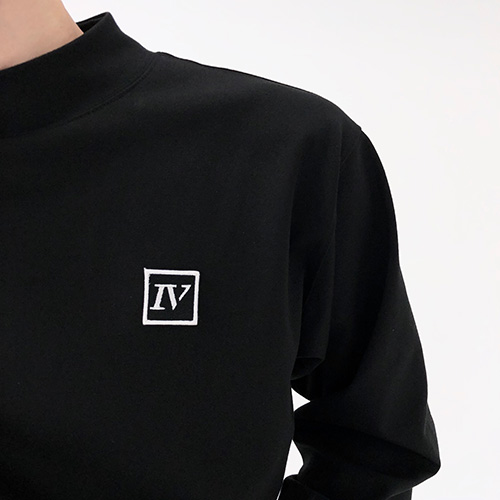 [4BLESS] Emblem High Neck Sleeve Black